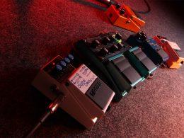 Três guitarristas incomuns com algo em comum