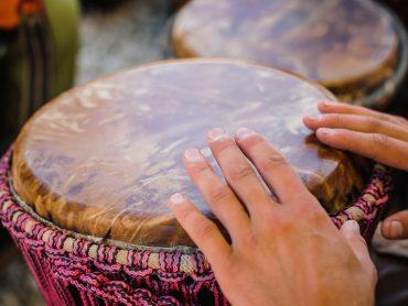 Percussão: Ritmos do mundo e os seus instrumentos – África